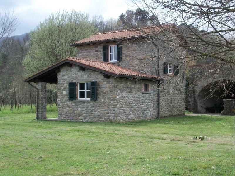 Case In Pietra Antiche : Case in pietra great case interni in pietra con murature in