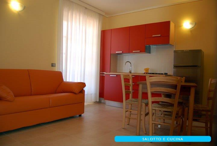 Foto_soggiorno_cucina_residence_Villa_Mare