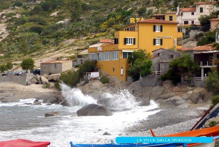Foto_vista_dalla_spiaggia_residence_Villa_Mare