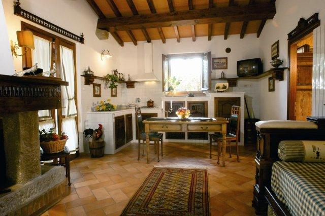 Foto_cucina_casa_di_caccia_agriturismo_La_Rombaia