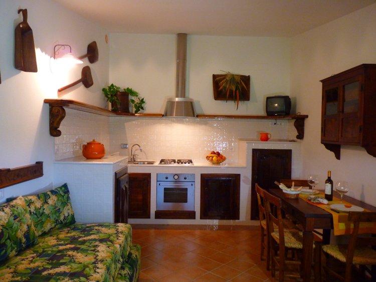 Foto_cucina_appartamento_mulino_agriturismo_La_Rombaia