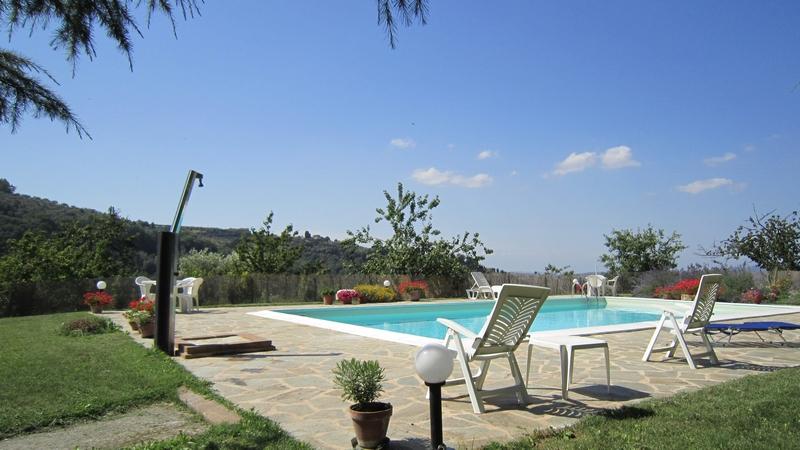 Agriturismo_Villa_di_Valle_piscina