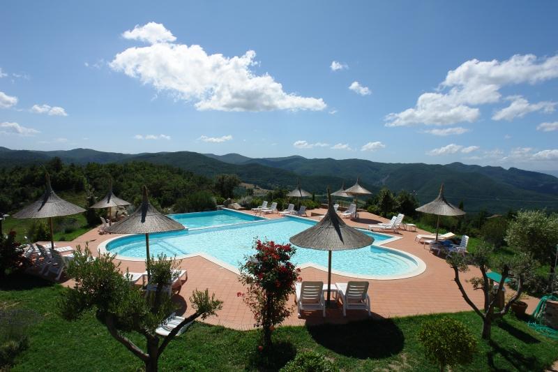 Foto_piscina_Guado_al_Sole