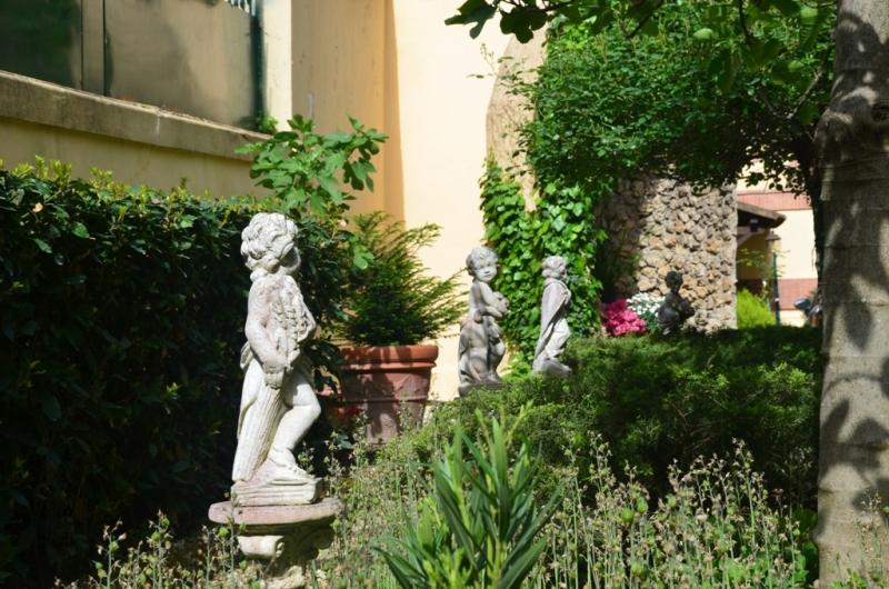 Foto_giardino_Istituto_Suore_Rave_Di_S_Elisabetta