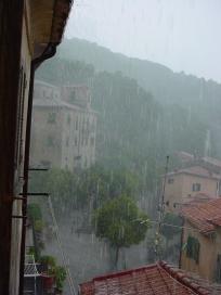 foto_pioggia_acquazzone_Marciana_Isola_d_Elba