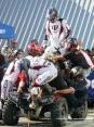 4x4 Fest 2009 - Carrara (MS), 10-11 ottobre 2009 - Una singolare esibizione di acrobati su un quad