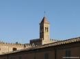 Bolgheri (LI) - Il campanile della chiesa del paese svetta dalle mura