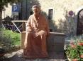 Bolgheri (LI) - Statua in onore della nonna di Giosu? Carducci, nonna Lucia