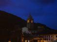 Buti (PI) - Una vista sopra i tetti del paese subito dopo il tramonto in una tranquilla serata di ottobre. Sopra le case si erge il campanile del Duomo di San Giovanni Battista.