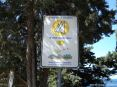 Cala Violina (GR) - Un cartello ricorda che Cala Violina è stata premiata come una tra le 10 spiagge più belle d