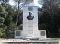 Cala Violina (GR) - il monumento in onore di Giuseppe Garibaldi e di alcuni caduti da parte del popolo di Maremma e del Comune di Gavorrano. Alcune persone del posto qui davanti a Cala Martina salvarono Garibaldi da un naufragio