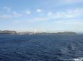 Canale di Piombino (LI) - La costa della città verso il Castello e la Tolla dal mare del canale