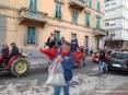 Carnevale Piombino 2009 - Corteo mascherato del carnevale piombinese lungo via renato Fucini