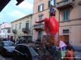 Carnevale Piombino 2009 - La sfilata delle maschere e dei carri allegorici prosegue in via Renato Fucini capitanata dal carro di Cicciolo