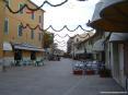 Castiglione della Pescaia (GR) - Il corso si alterna tra negozi, ristoranti, pub e wine bar caratteristici e di ottimo livello