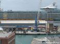 Independence of the seas - Royal Caribbean nel porto di Livorno - La nave da crociera più grande del mondo.