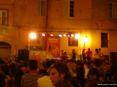 Luminara San Ranieri 2008 Pisa (PI) - Da un piccolo palco un gruppo di ragazzi anima la serata di piazza La Pera