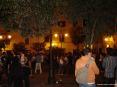 Luminara San Ranieri 2008 Pisa (PI) - Tanti ragazzi ballano, parlano e bevono nella allegra serata in piazza La Pera