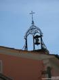 Monterchi (AR) - Una particolare campana si erge oltre i tetti delle case.