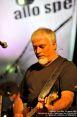 I Nomadi Tour 2009, 23 agosto 2009 a Castelnuovo Val di Cecina (PI) - Concerto per la vita. Cico Falzone, chitarrista del gruppo.