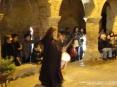 42a Sagra di Suvereto 2009, Suvereto (LI) - I combattimenti in costume a colpi di spada sono accompagnati dal ritmo dei tamburi. Per il pubblico viene creata un