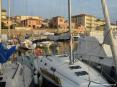 San Vincenzo (LI) - Molte sono le barche a vela ormeggiate nel sicuro porto