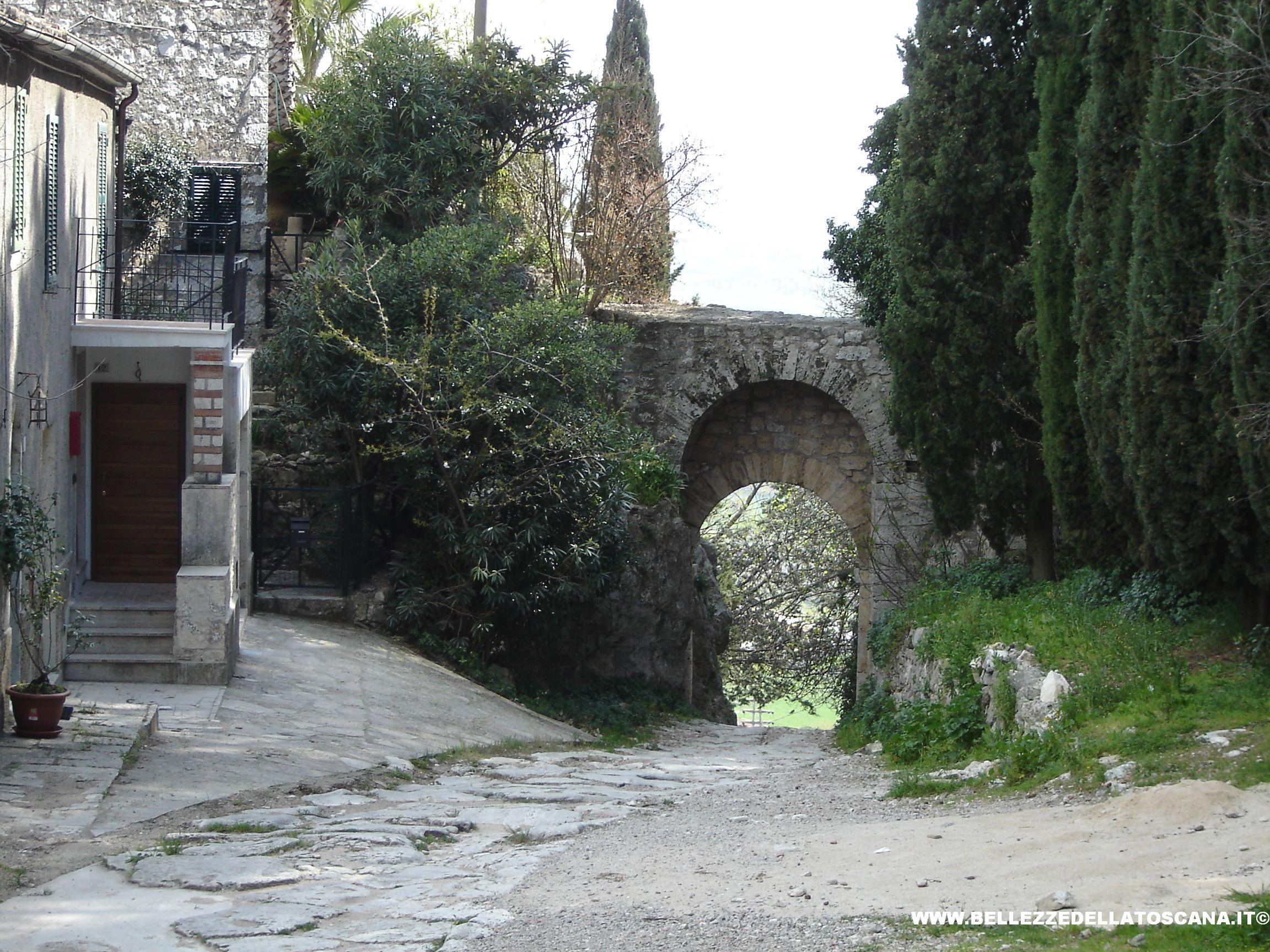 Fotografia di saturnia gr foto ad alta risoluzione 33 - Terme porta romana ...