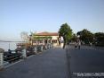 Torre del Lago Puccini, Viareggio (LU) - Il piazzale sulla sponda del lago offre una passeggiata in un