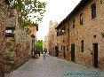 Certaldo(FI) - Via Boccaccio con le spalle al Palazzo Pretorio all