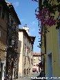 Piombino (LI) - Via Ferruccio, caratteristico vicolo nel cuore storico di Piombino, dietro il municipio